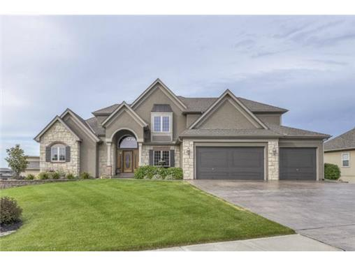 265 SW Point Shore Drive, Lee's Summit, MO 64082