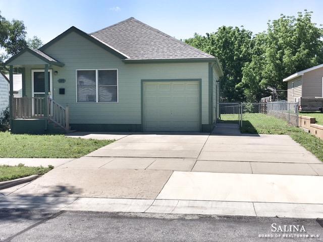 819 W Prescott Avenue, Salina, KS 67401