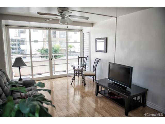 445 Kaiolu Street 211, Honolulu, HI 96814