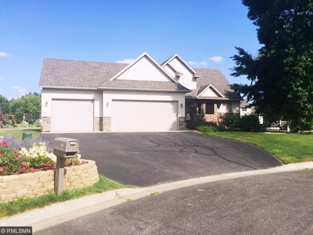 418 Eagle Ridge Court, Saint Joseph, MN 56374