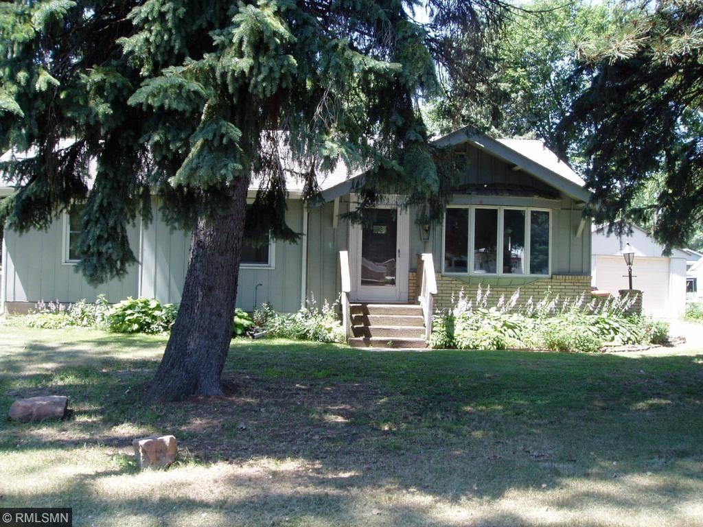 1835 Jackson Street N, Maplewood, MN 55117