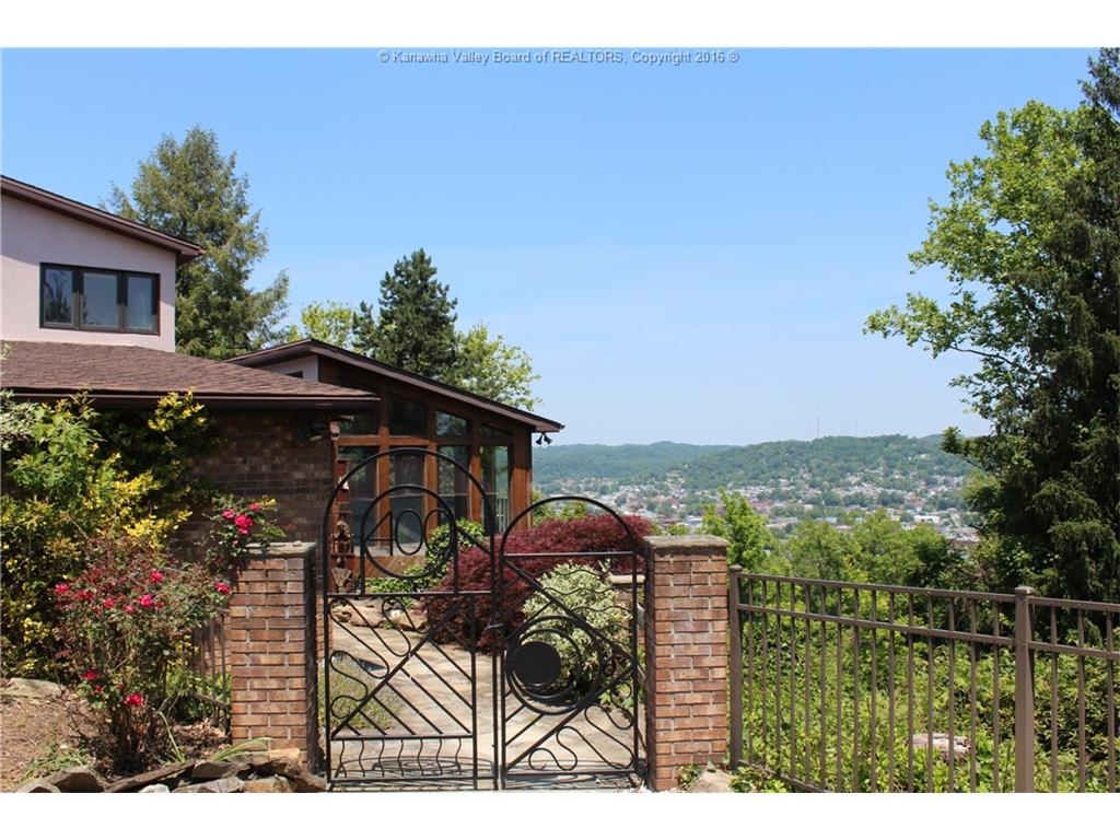 400 Mount View Drive, Charleston, WV 25314