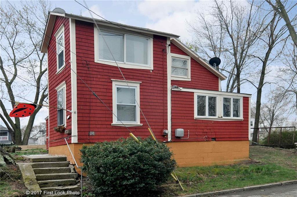102 Lincoln AV, East Providence, RI 02915