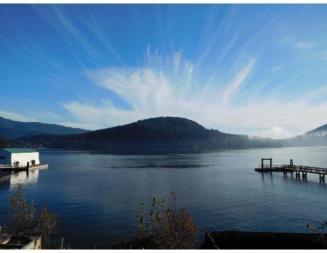 524 LOWRY LANE, North Vancouver, BC V7G 1R3