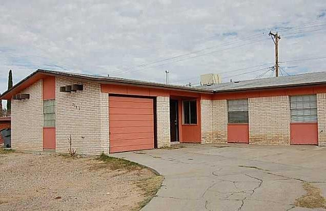 2302 Cumbre Negra Street, El Paso, TX 79935