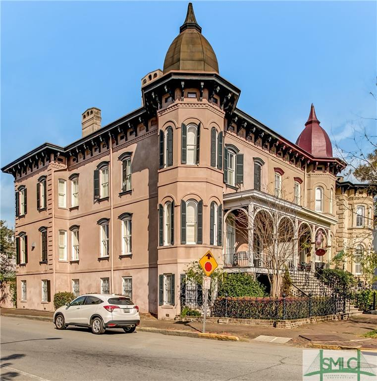 302 E Huntingdon Street, Savannah, GA 31401