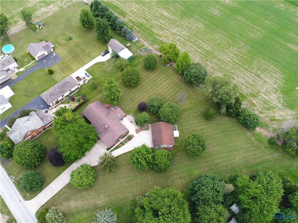 522 Hickory Street, Pemberville, OH 43450