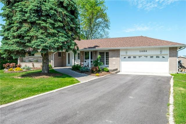 1484 Hawkswood Dr, Smith-Ennismore-Lakefield, ON K0L 1T0