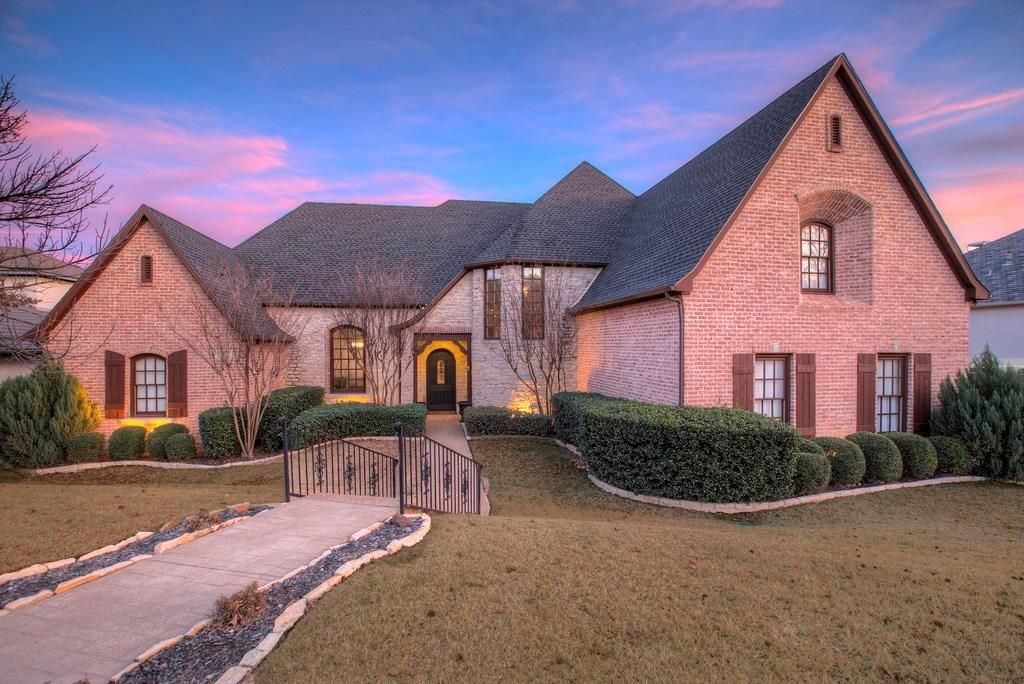 800 Lake Haven Court, Highland Village, TX 75077
