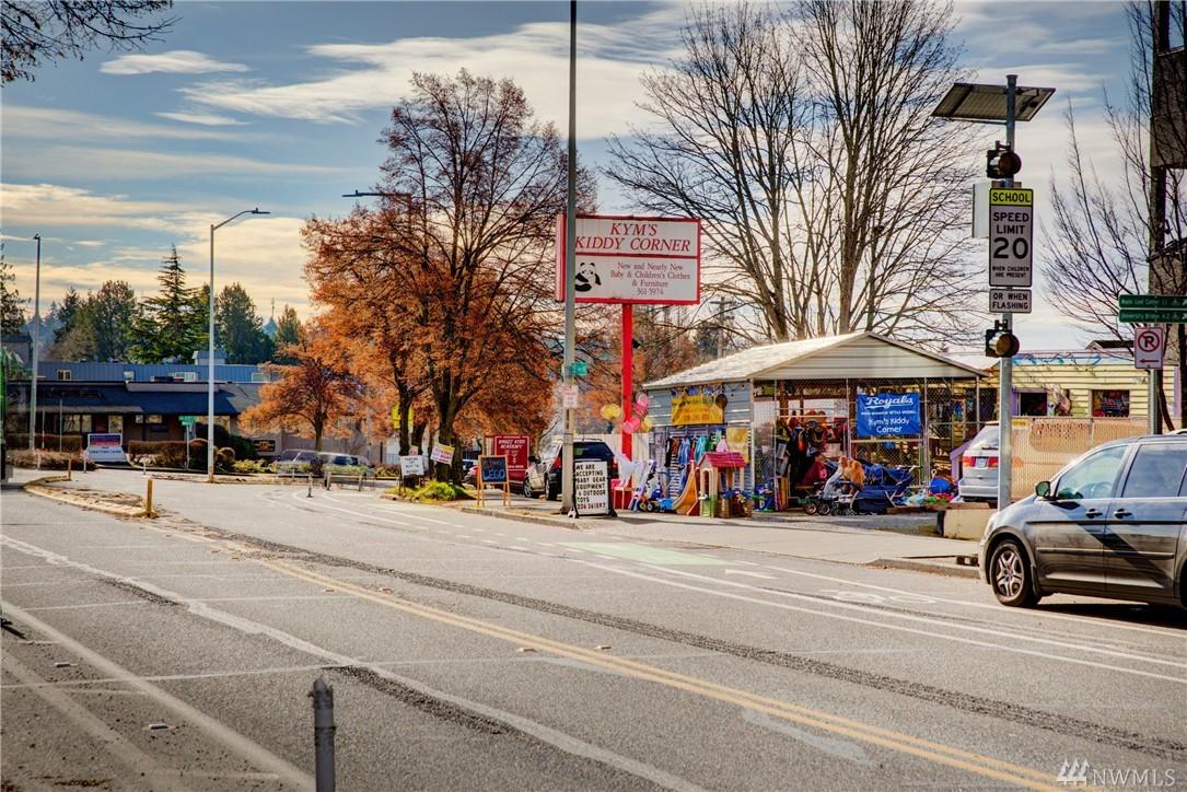 11715 15th Ave NE, Seattle, WA 98125