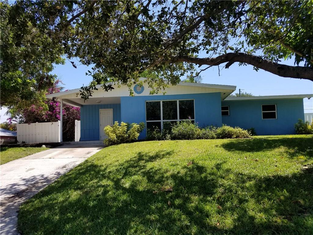 2057 NE Ridge Avenue, Jensen Beach, FL 34957