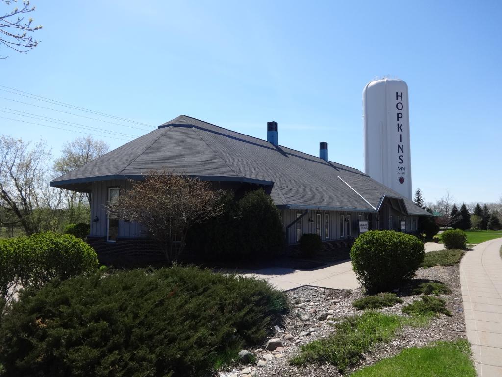 10417 Excelsior Boulevard, Hopkins, MN 55343