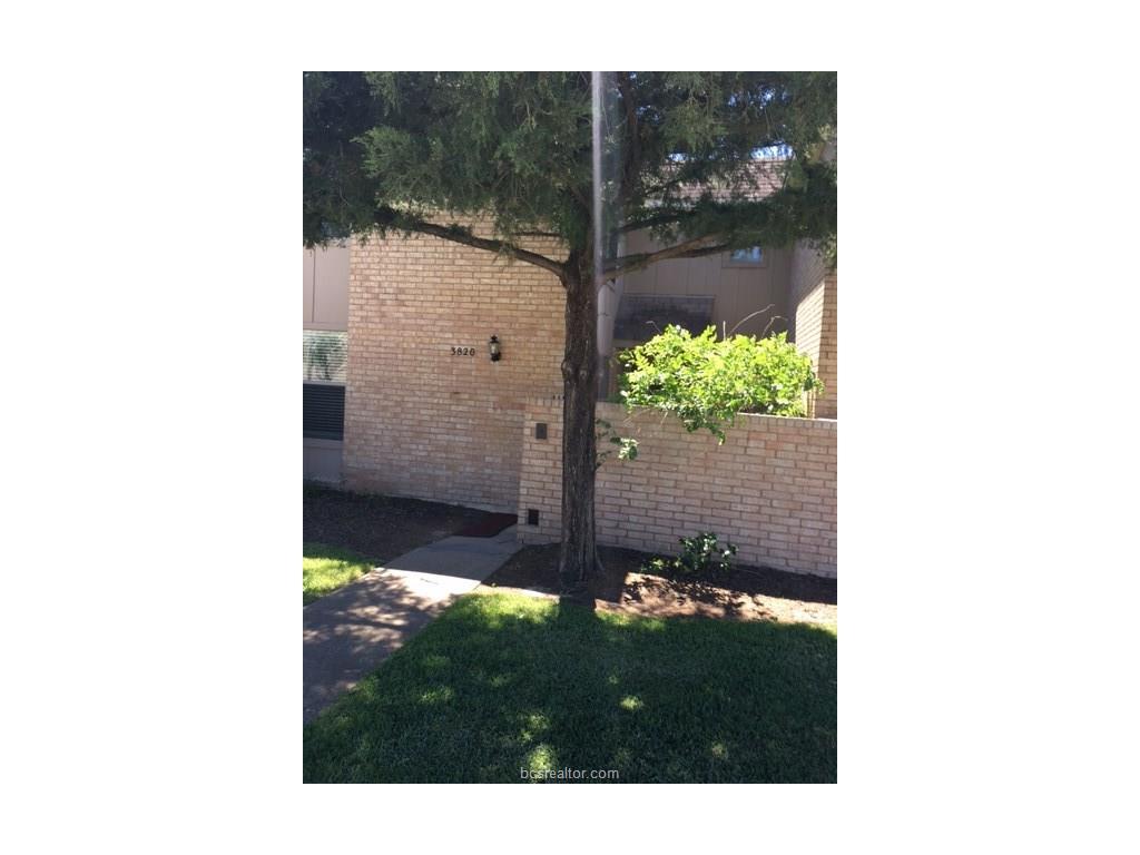 3820 Plainsman Lane, Bryan, TX 77802