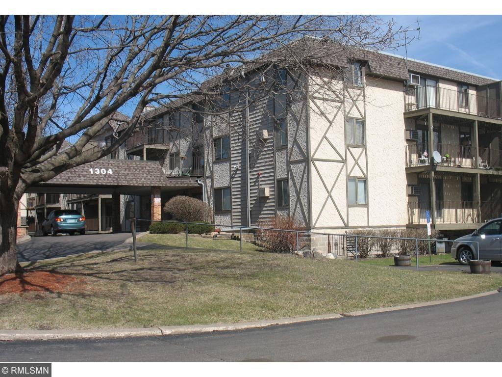 1304 W Medicine Lake Drive 116, Plymouth, MN 55441