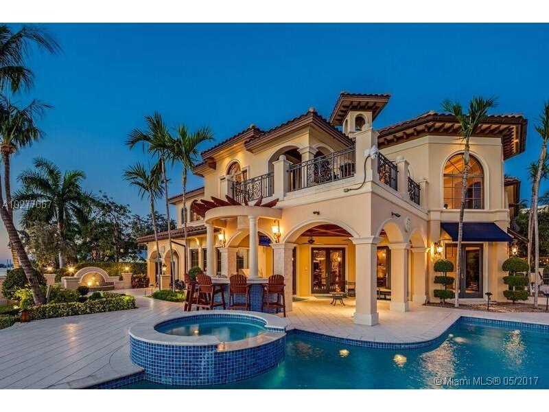 3018 NE 22nd St, Fort Lauderdale, FL 33305