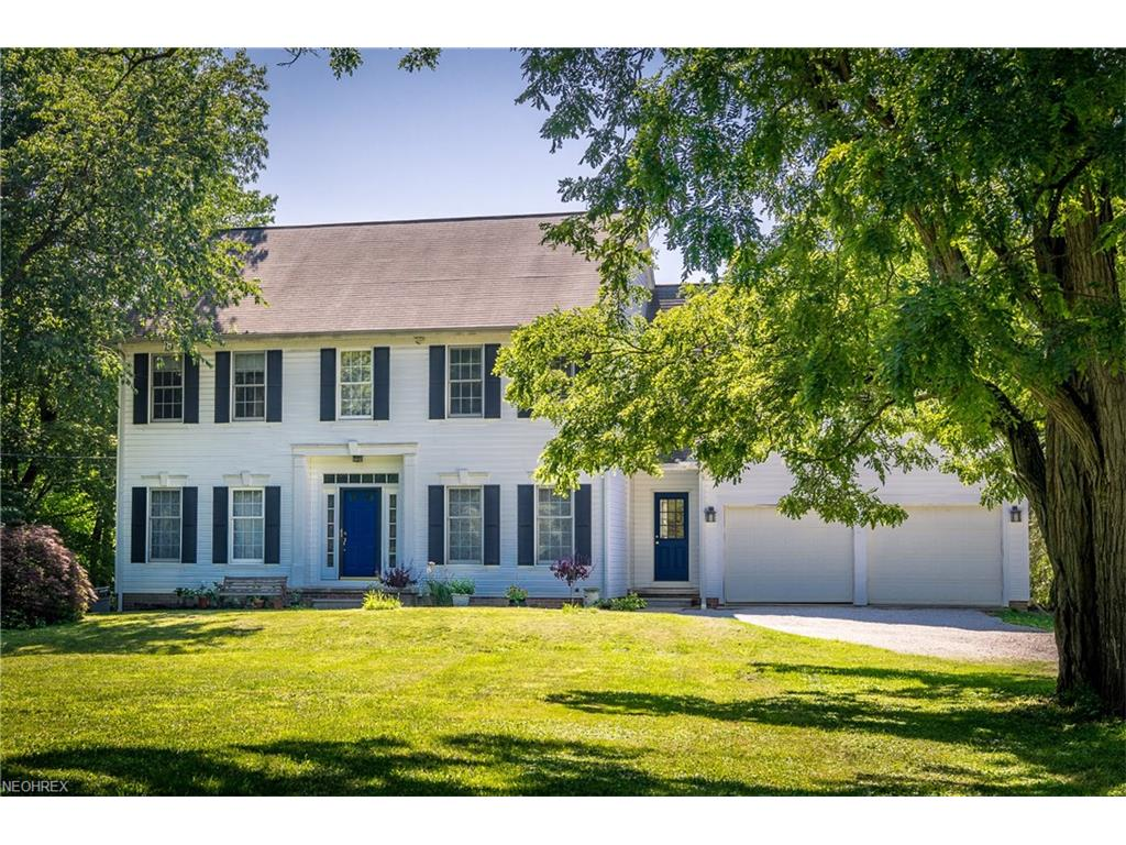 2434 River Rd, Willoughby Hills, OH 44094