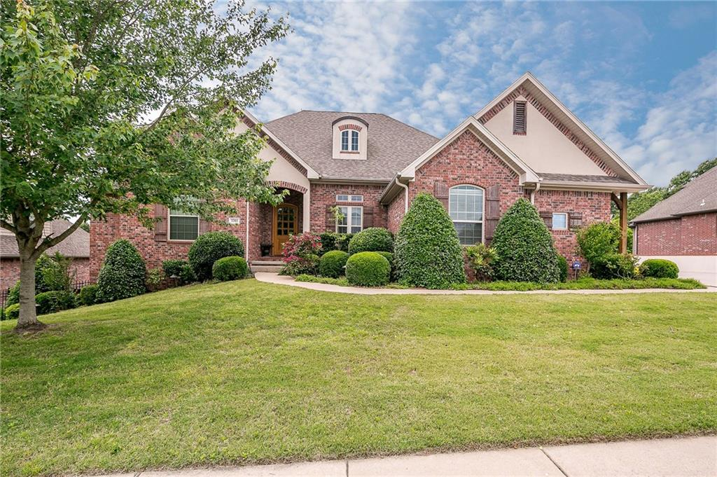 3703 NW Mountainview RD, Bentonville, AR 72712