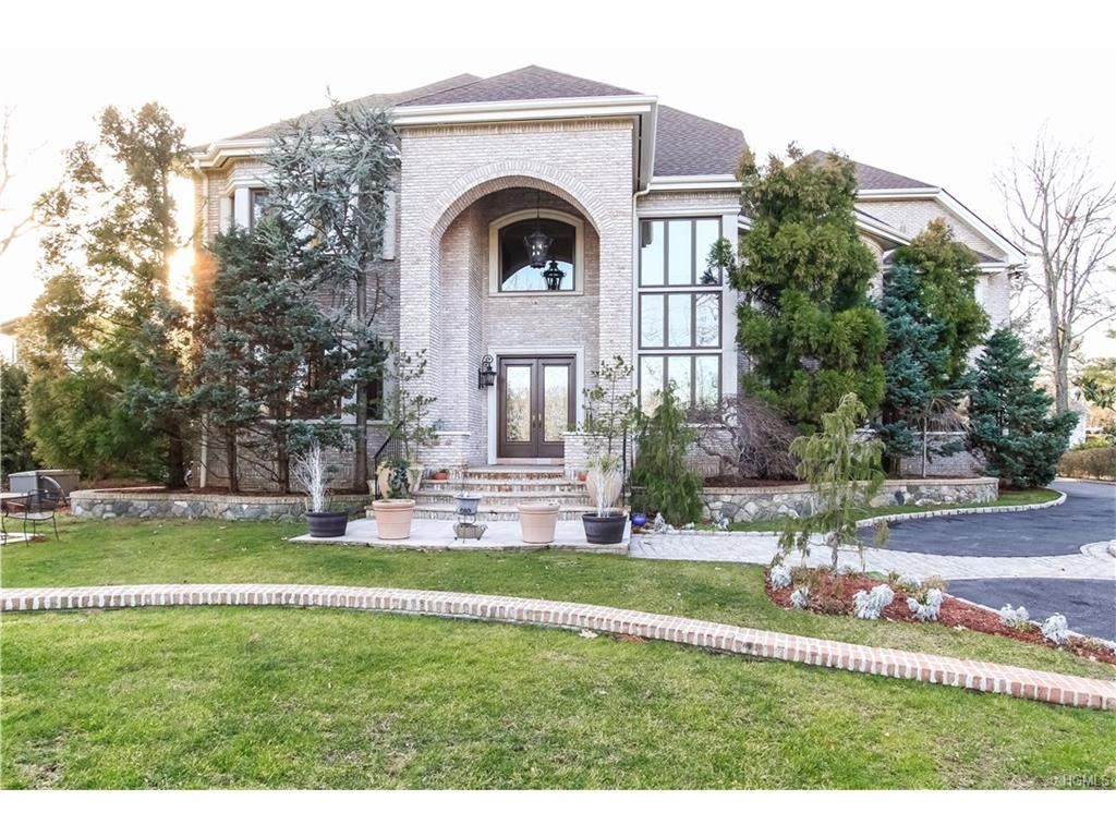 87 Lakeshore Drive, Eastchester, NY 10709