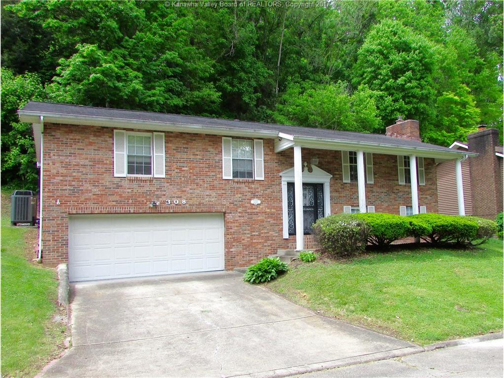 308 Forest Brook Drive, Saint Albans, WV 25177