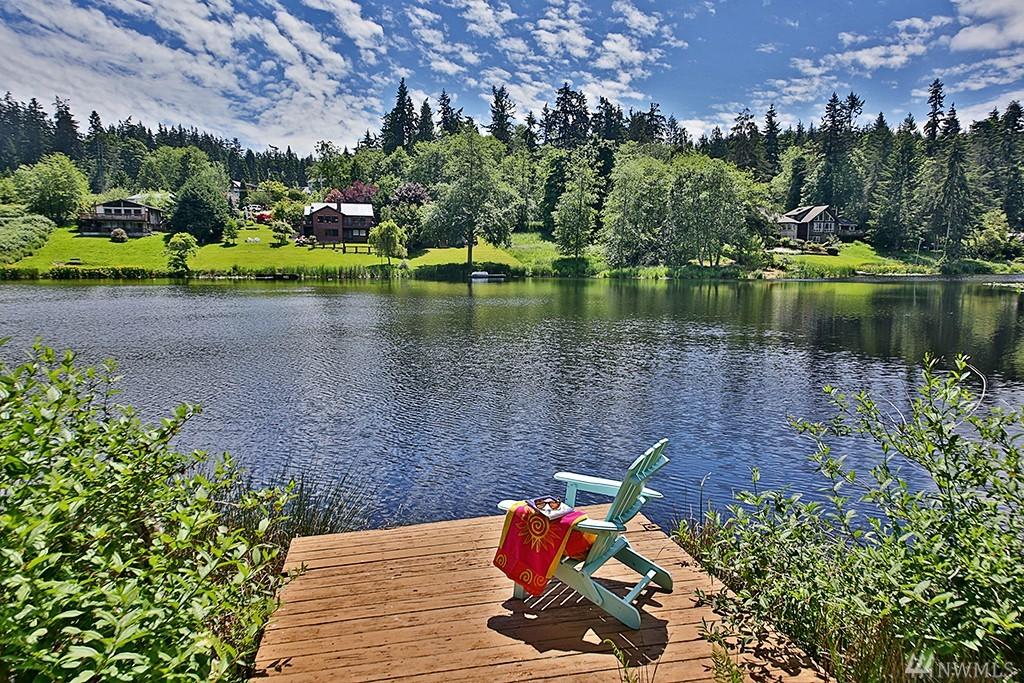 1015 Honeymoon Lake Dr, Greenbank, WA 98253
