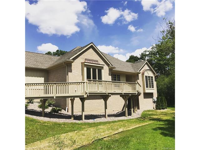 2395 HICKORY GLEN Drive, Bloomfield Hills, MI 48304
