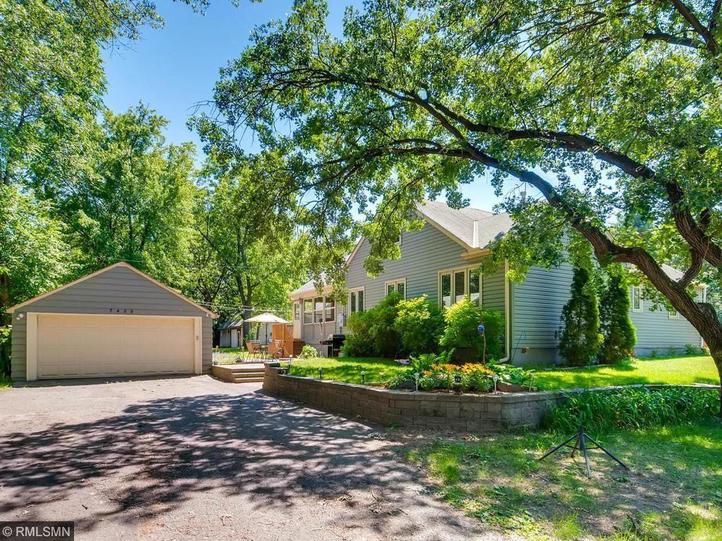 7489 Spring Lake Road, Mounds View, MN 55112