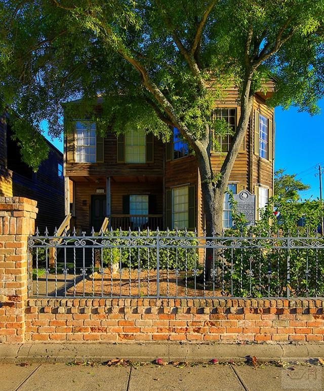 1602 Sealy Street, Galveston, TX 77550