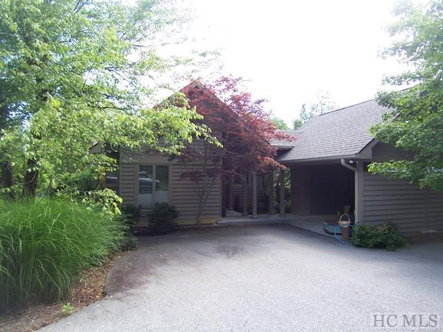 520 Lake Villas Way, Highlands, NC 28741