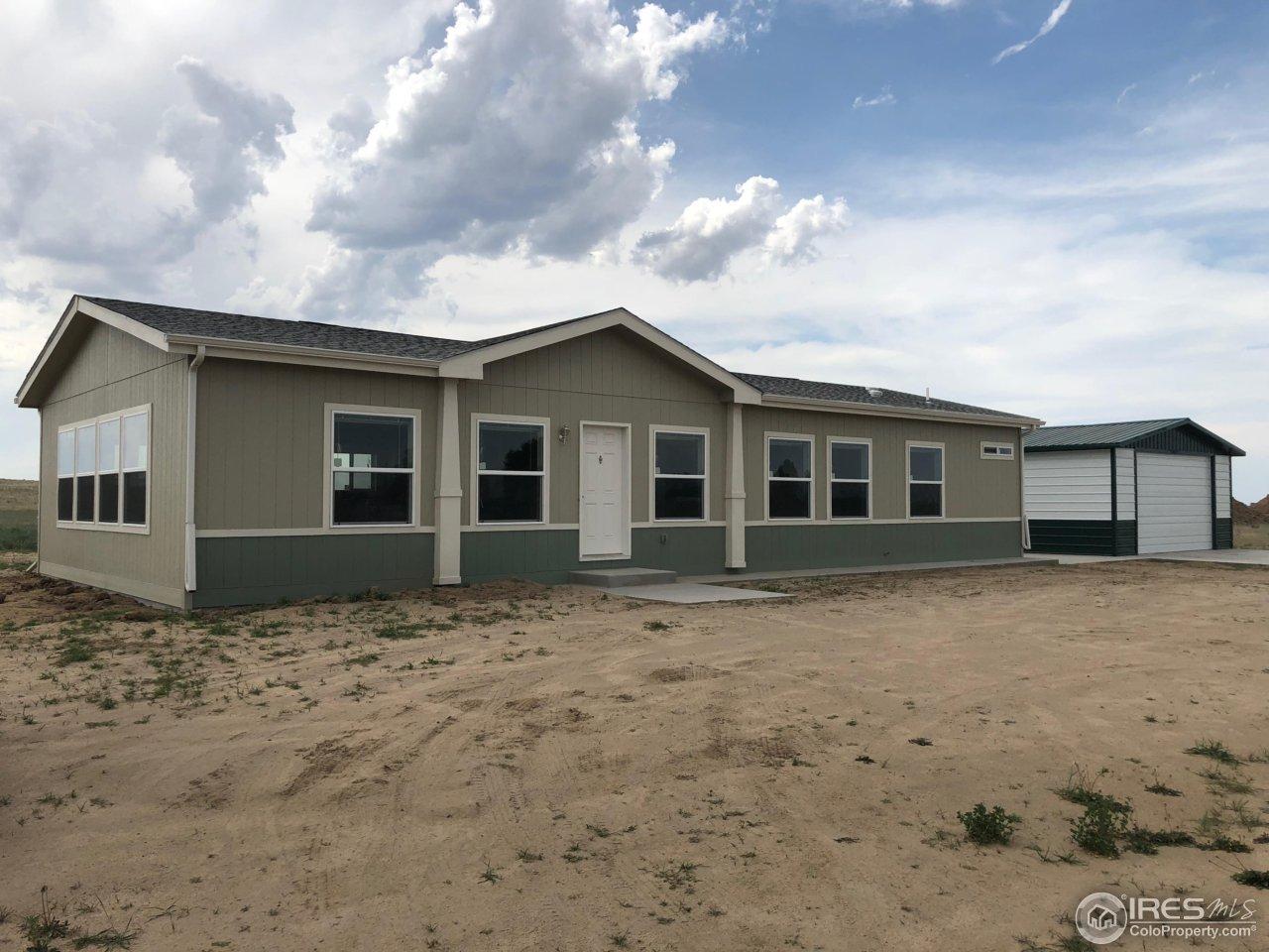 16 E Ranch Rd, Wiggins, CO 80654