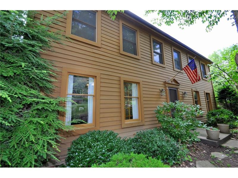 108 Woodside Dr, Canonsburg, PA 15317