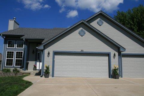 301 Andrea Lane, Harrisonville, MO 64701