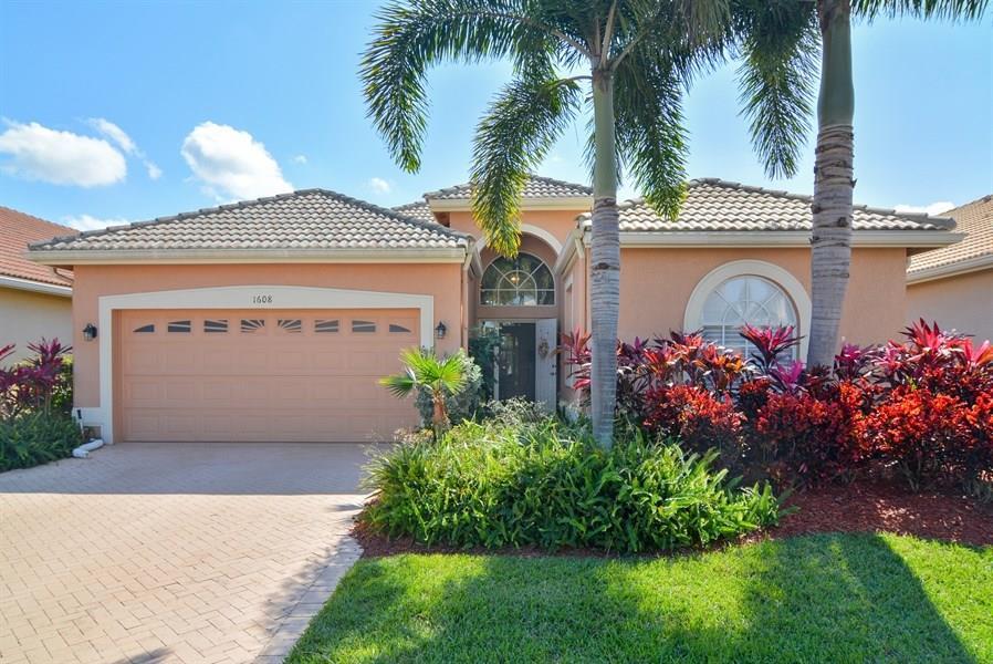 1608 SE Shelburnie Way, Port Saint Lucie, FL 34952