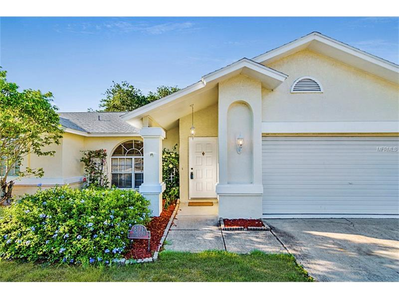 8171 SOMERSET DRIVE, LARGO, FL 33773