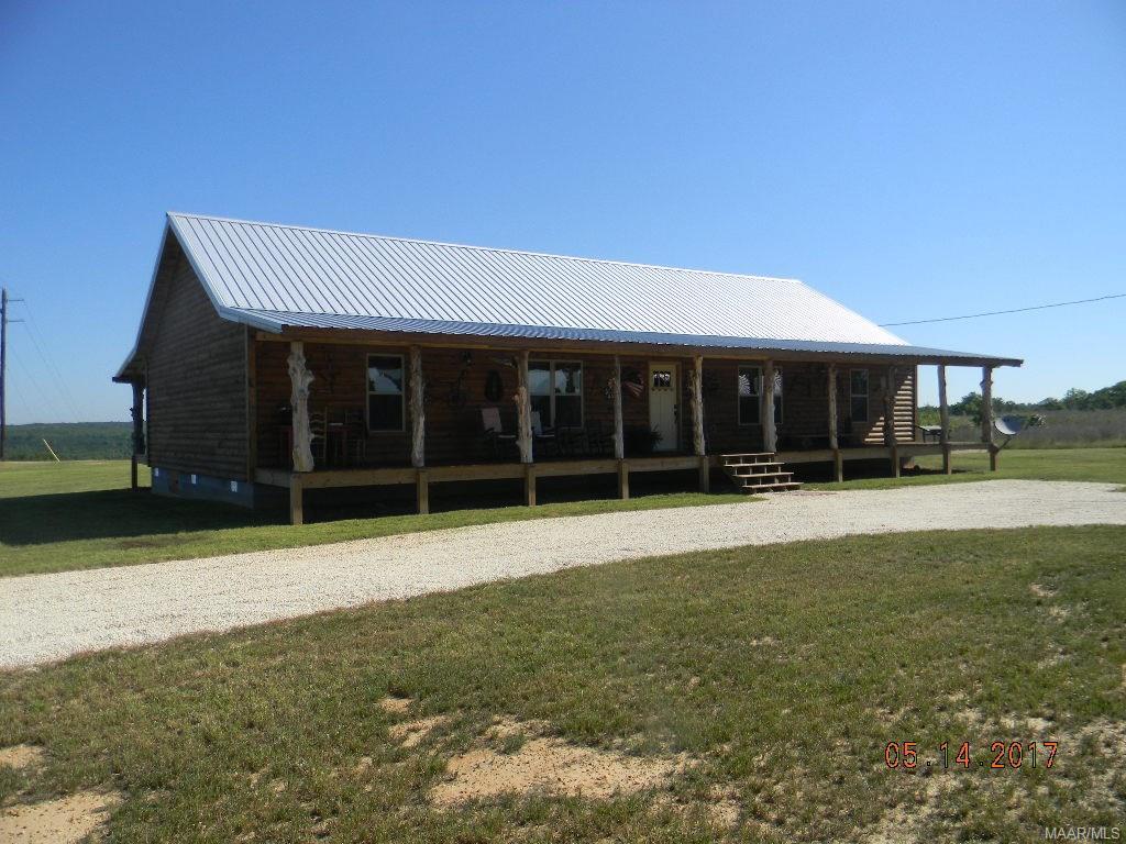 1686 County Road 16 ., Clanton, AL 35045