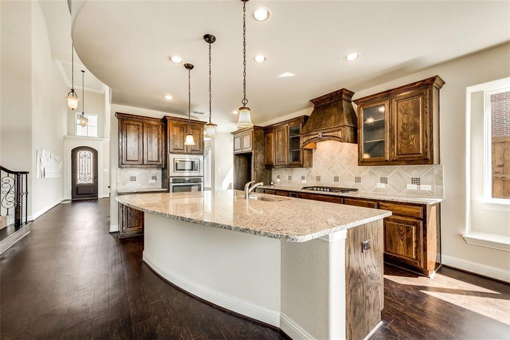 1048 Caprock Lane, Carrollton, TX 75010