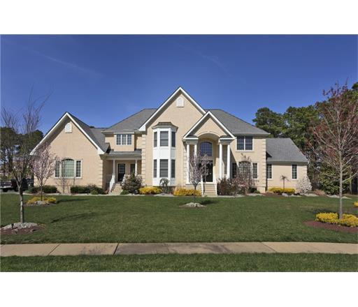 8 April Court, Monroe Township, NJ 08831
