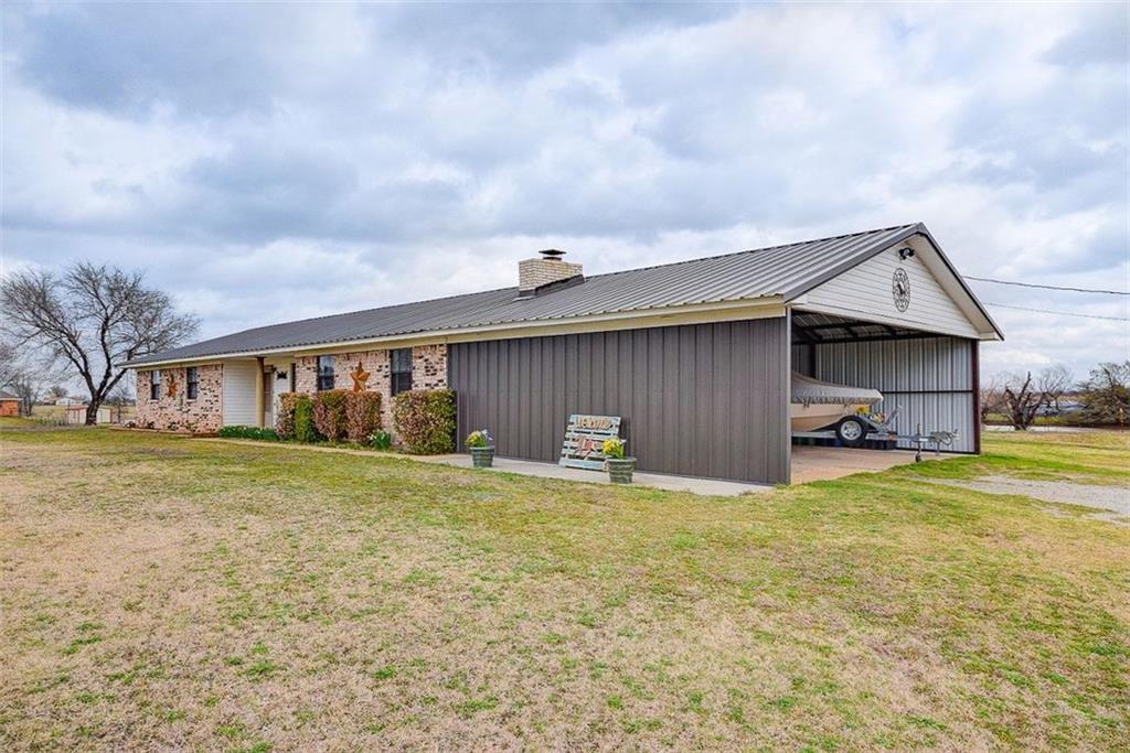 14113 N County Road 3010, Lindsay, OK 73052