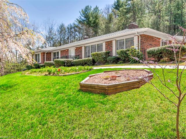 28 E Wonder Road, Leicester, NC 28748