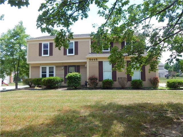 5445 N PICCADILLY, West Bloomfield Twp, MI 48322
