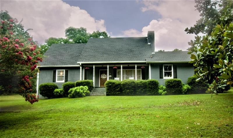 110 SE Grove Avenue, Lindale, GA 30147