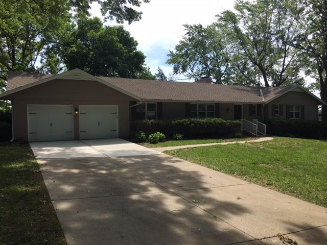 9841 OVERBROOK Court, Leawood, KS 66206