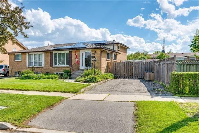 3196 Hedgestone Crt, Mississauga, ON L4X 2K2