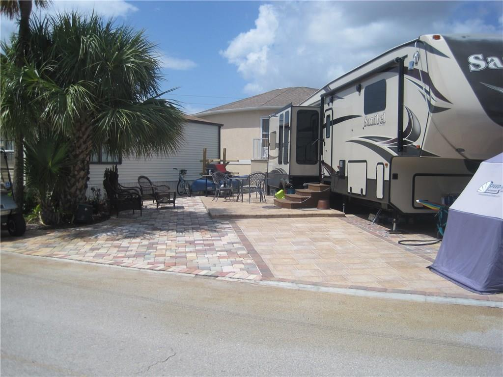 429 Nettles Blvd, Jensen Beach, FL 34957