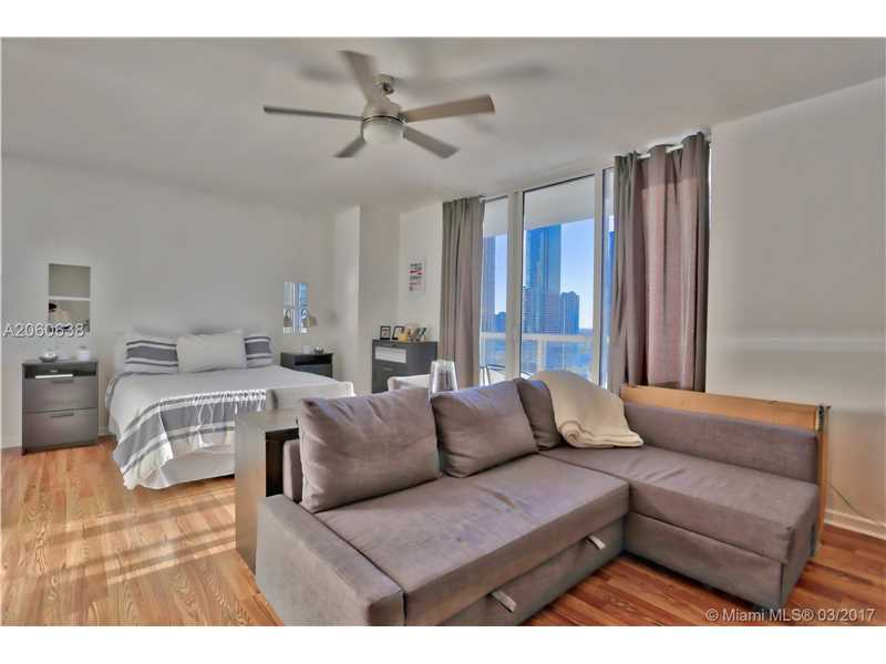 50 BISCAYNE BL 2709, Miami, FL 33132