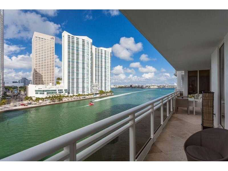 901 Brickell Key Blvd 905, Miami, FL 33131
