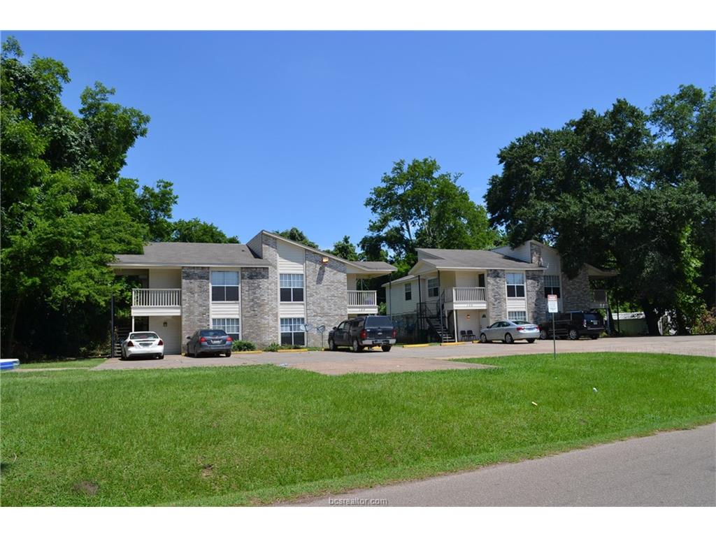 103 Wells Street 103 A-D and 105 A-D, Madisonville, TX 77864