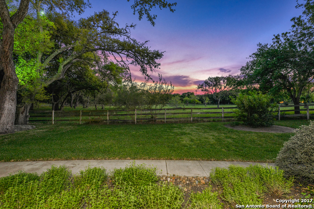100 Hill Country Ln, San Antonio, TX 78232