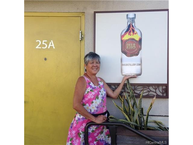 1210 Dillingham Boulevard 25A, Honolulu, HI 96817