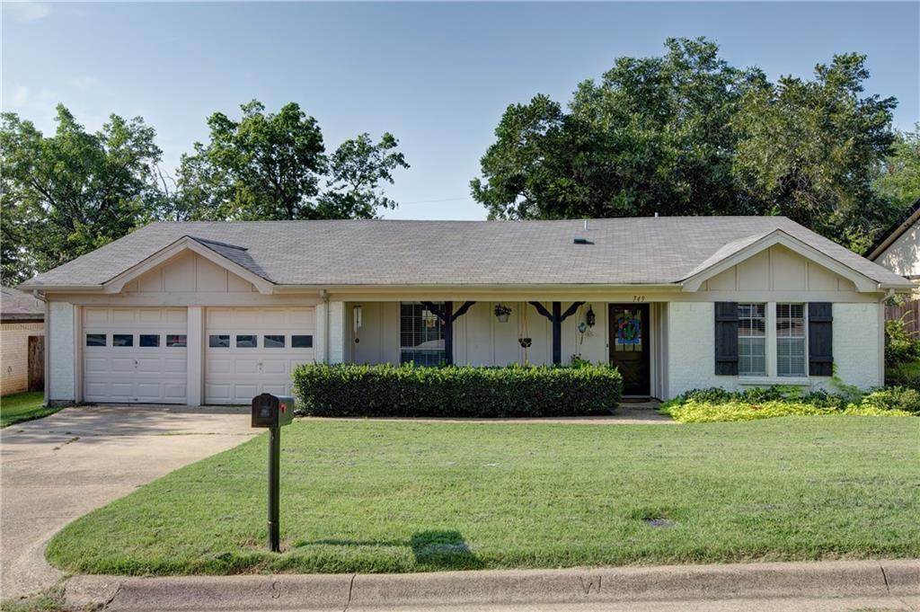 749 Toni Drive, Hurst, TX 76054