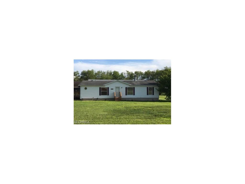 42505 Osbourne Rd, Wellsville, OH 43968